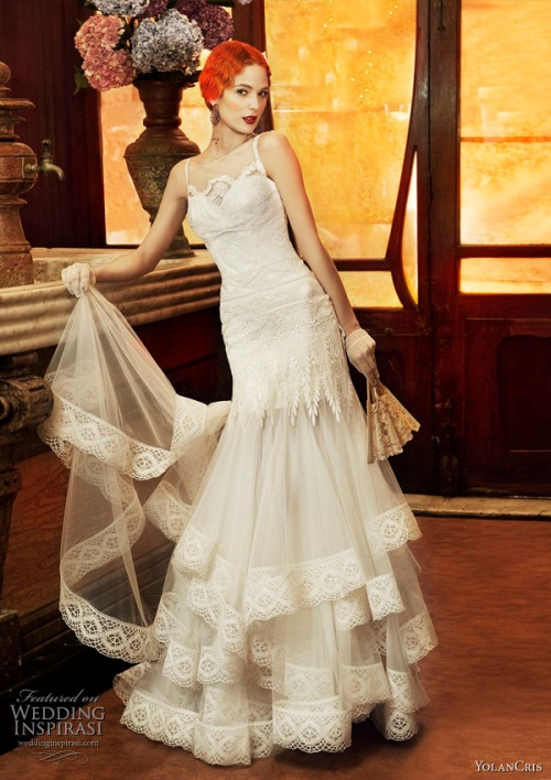 Source: http://www.weddinginspirasi.com/2011/02/10/yolan-cris-2011-revival-vintage-wedding-dress-collection/