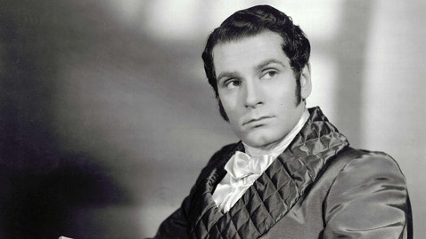 Laurence Olivier as Mr. Darcy. Source: http://abcnews.go.com/blogs/headlines/2013/01/famous-actors-behind-william-darcy-of-pride-prejudice/